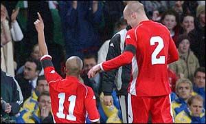 Robert Earnshaw with Cardiff City team-mate Rhys Weston