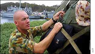 Australian naval diver prepares to leave for Iraq