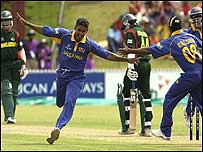 Chaminda Vaas takes a wicket