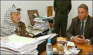 Yasser Arafat, left, with UN envoy Terje Roed-Larsen