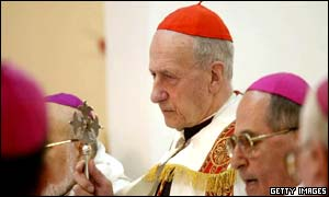 Cardinal Etchegaray leads prayers in Baghdad