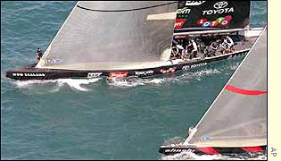 Alinghi neck and neck with Team New Zealand during their second America's Cup race