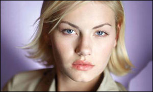 Elisha Cuthbert returns as Kim Bauer