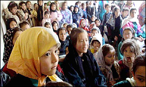 A class of Afghan girls