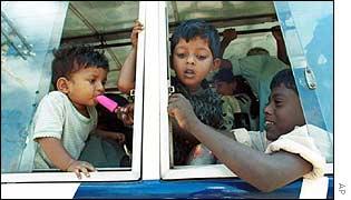 Children on Sri Lankan bus