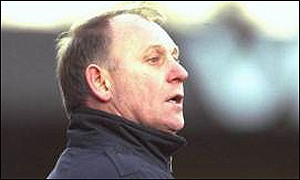 Wrexham manager Denis Smith
