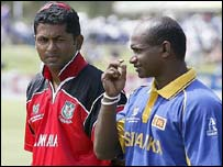 Canada's Joe Harris with Sri Lankan skipper Sanath Jayasuriya