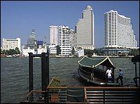 Hotels by Bangkok's Chao Praya river
