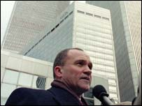 Police chief Raymond Kelly outside the Twin Towers
