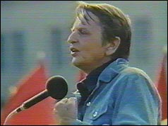 Olof Palme addressing a public meeting