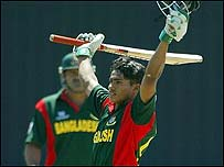 Ashraful reaches his 50 against New Zealand