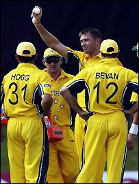 Glenn McGrath responds to the crowd