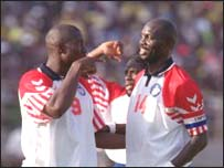 Roberts and George Weah at the Nations Cup in Mali