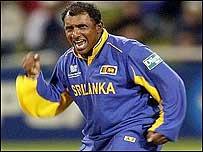 Aravinda de Silva celebrates a wicket