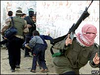 Palestinian gunman, Khan Yunis refugee camp