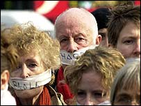 Richard Wilson (centre) was among the protesters