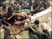 مشهد من تفجير السافارة الأمريكية في نيروبي