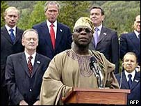 Nigerian president Olusegun Obasanjo with G8 leaders, June 2002