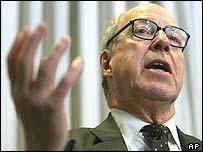 Dr Hans Blix, chief UN weapons inspector