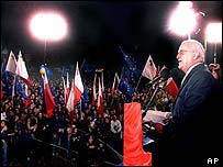 Prime Minister Fenech Adami addresses supporters