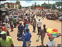 Market scene in Kindia