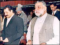 Prime Minister Jamali (R) in parliament