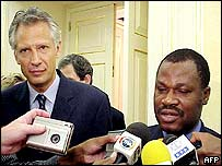 French foreign minister Dominique de Villepin and his Angolan counterpart Joao Bernardo de Miranda