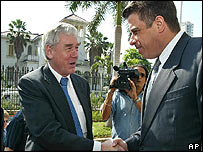 EU Development Commissioner Poul Nielsen (L) and Cuban Foreign Minister Felipe Perez Roque at the ceremony