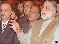 Prime Minister Zafarullah Jamali (R)