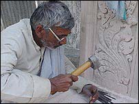 Ratan Lal Sharma, stone carver