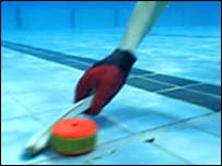 Underwater hockey puck - image CBC