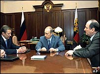 Vladimir Putin meets defence and security chiefs