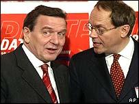 Chanceller Schoroeder with Nokia chairman Jorma Ollila