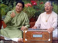 Singer Anup Jalota (left) and father