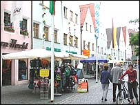 Shoppers in Weiden