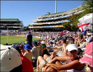 A full house at Newlands watch England beat Pakistan