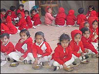 Children in Gujarat eating lunch