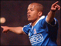 Rob Earnshaw claims Cardiff's overall season scoring record