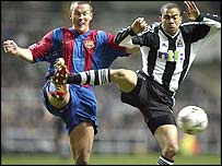 Newcastle's Kieron Dyer (right)