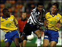 Martin Stocklasa (r) in action for FC Zurich against Newcastle in the Uefa