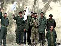 Iraqi soldiers waving white flag in surrender in southern Iraq