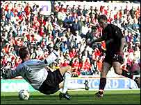 Jonatan Johansson gives Charlton the lead