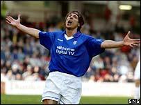 Claudio Caniggia celebrates his goal