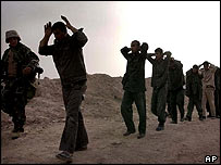 Iraqi troops surrendering