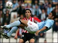 Mido in action for Celta Vigo on Sunday