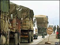 UN humanitarian supplies head for border