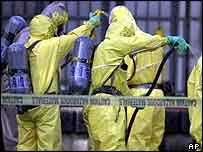 Anthrax team decontaminates workers   AP