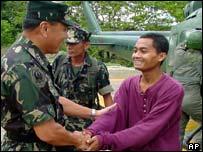 Indonesian hostage Julkipli with the Philippine military
