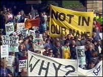 Anti-war protesters march through Edinburgh