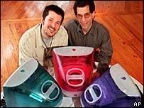 Apple's Jonathan Ive, left, and Jon Rubinstein